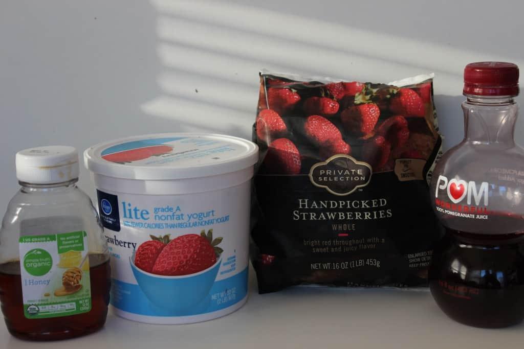 Pomegranate Strawberry Smoothie ingredients