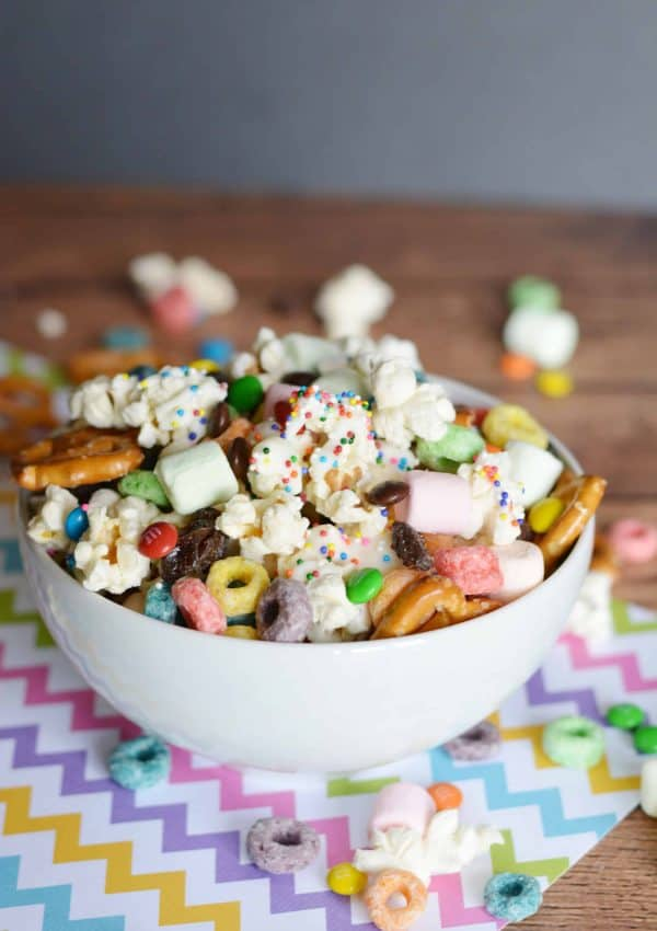 One Handful Wont Be Enough Of This Popcorn Snack Mix