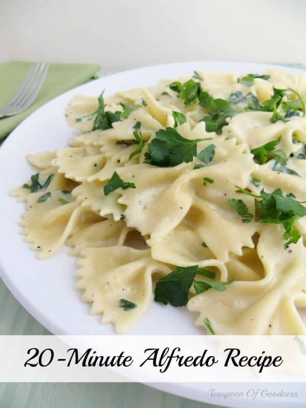 I love a great Alfredo Pasta Recipe, and this great 20-Minute Bow Tie Alfredo Pasta Recipe is a new favorite. - Teaspoon of Goodness