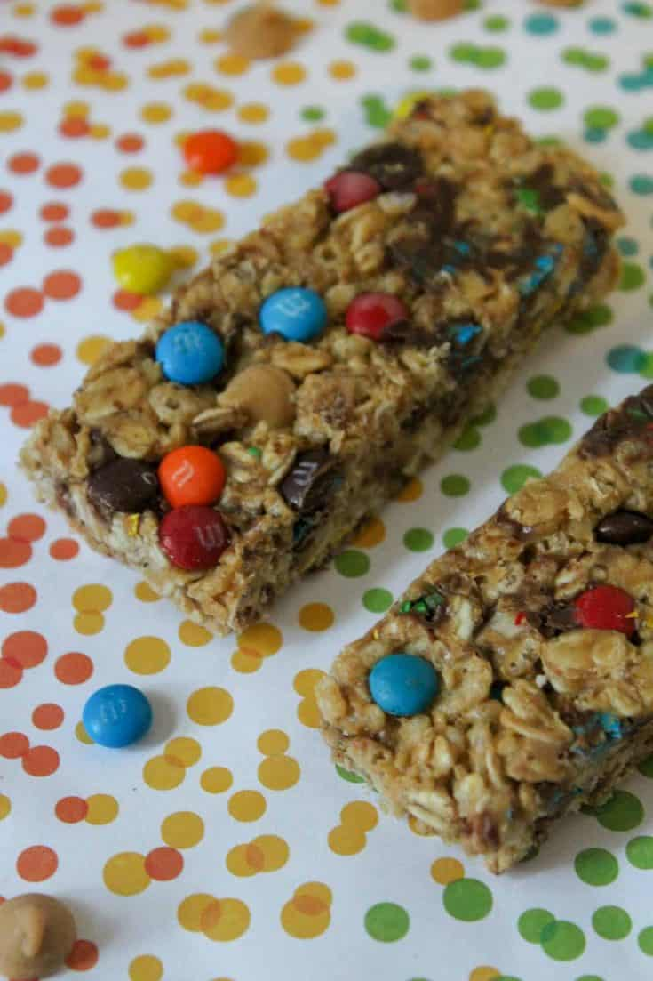 Homemade granola bars with peanut butter and M&M's & chocolate chips.