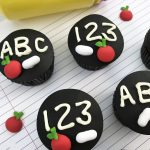 Back to school cupcake recipe decorated to be a chalkboard.