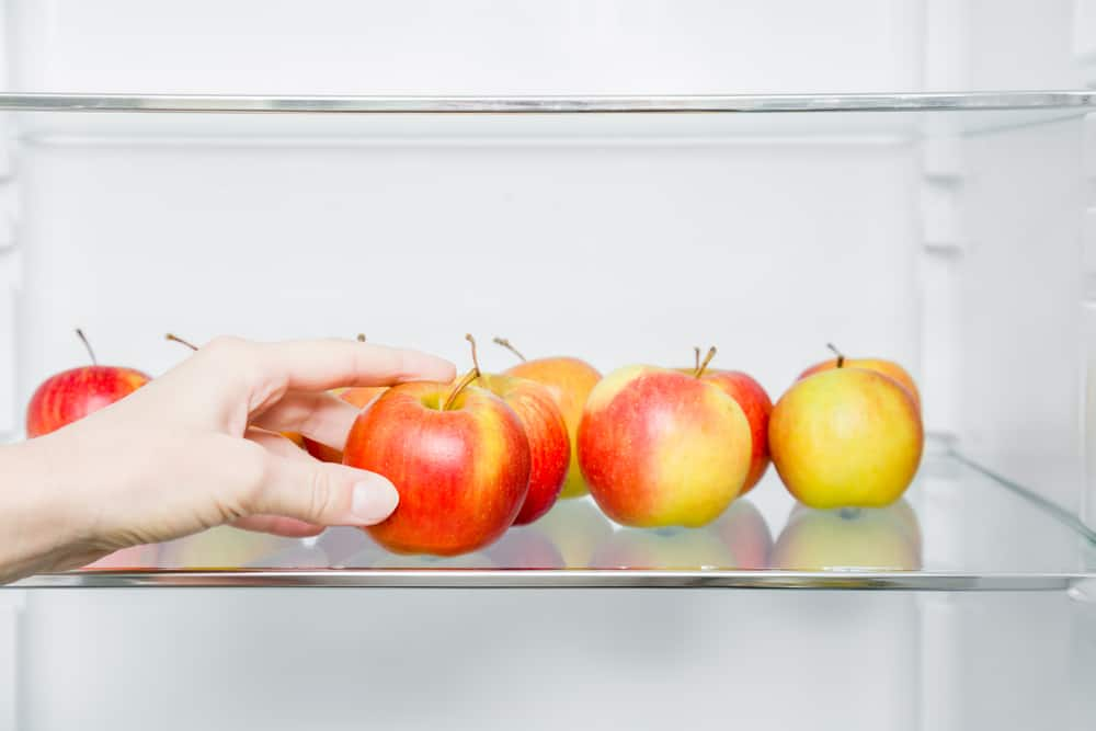 apples in fridge